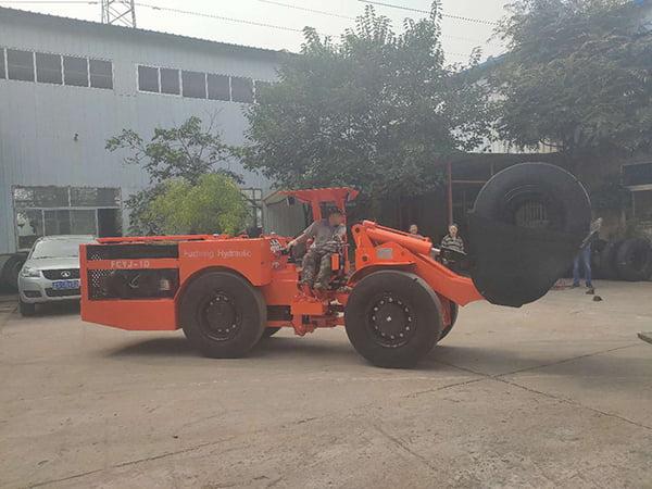 2 units 1m3 scooptrams shipment to Peru